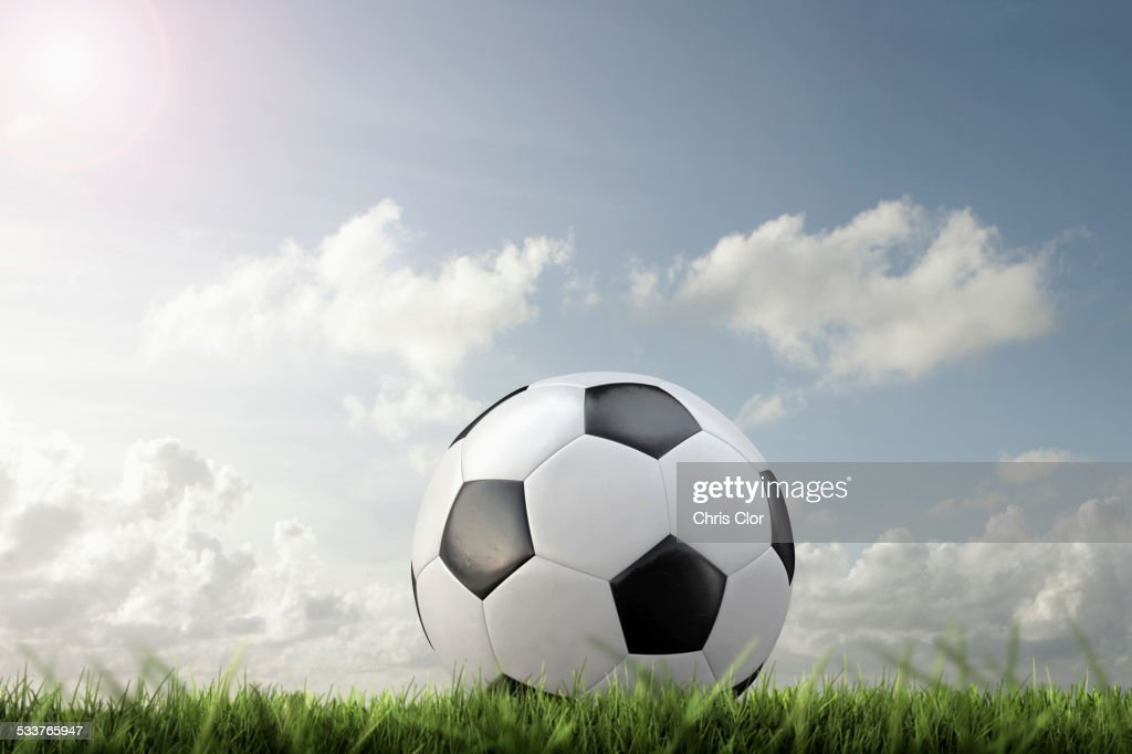 Close up of soccer ball in grass : Foto stock