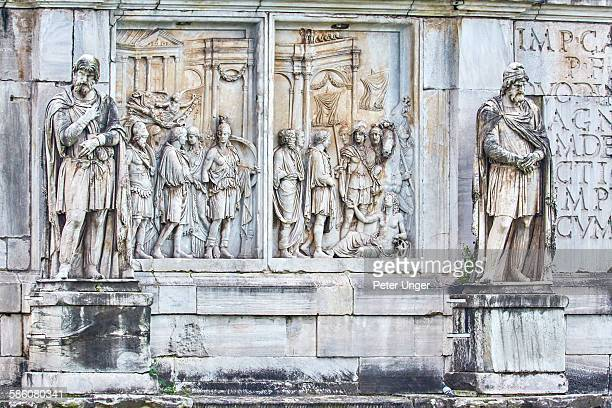 Close up of statues on the Arch of Constantine