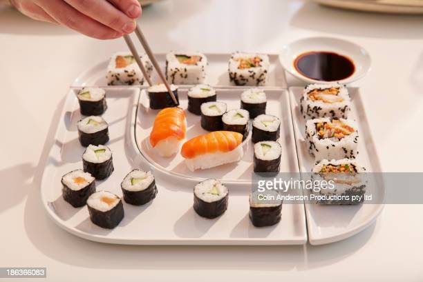 close up of sushi platter - etnia foto e immagini stock