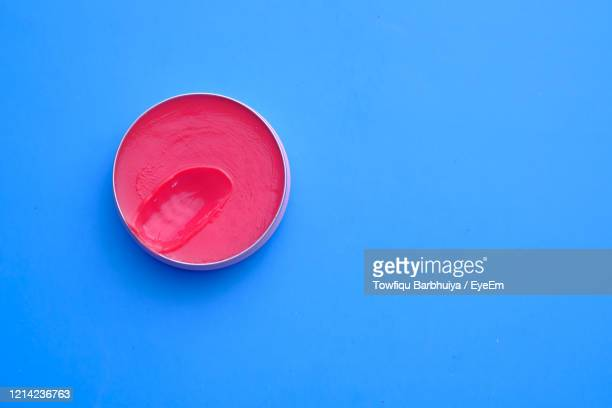 close up of vaseline - vaseline stockfoto's en -beelden