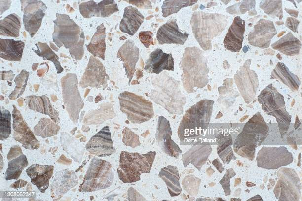 close up of white terrazzo with brown and beige pieces - dorte fjalland stock pictures, royalty-free photos & images