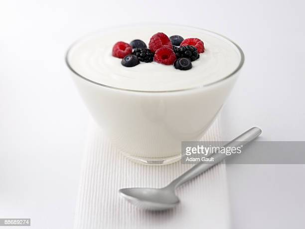 close up of  yogurt and fruit - yoghurt stock pictures, royalty-free photos & images