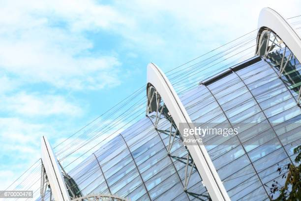 close up on roof in singapore, modern city of asia during december - plan rapproché stock pictures, royalty-free photos & images
