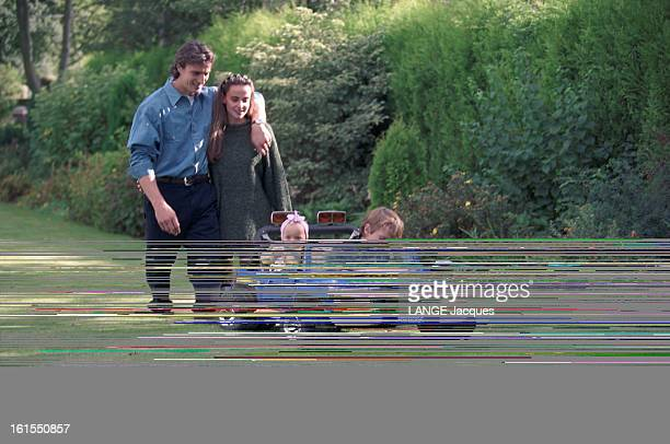 Close Up On The Soccer Player David Ginola With Family At Home In Newcastle David GINOLA recruté par le club de football NEWCASTLE UNITED vient...