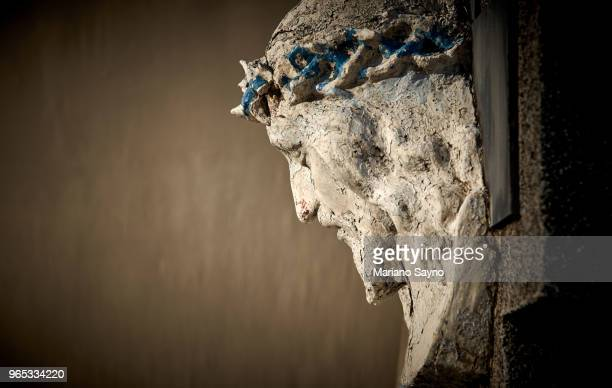 close up photo of sculpture of jesus christ - happy easter jesus stock pictures, royalty-free photos & images