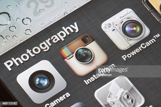 Gros plan photo de différentes applications sur l'iphone écran de photos