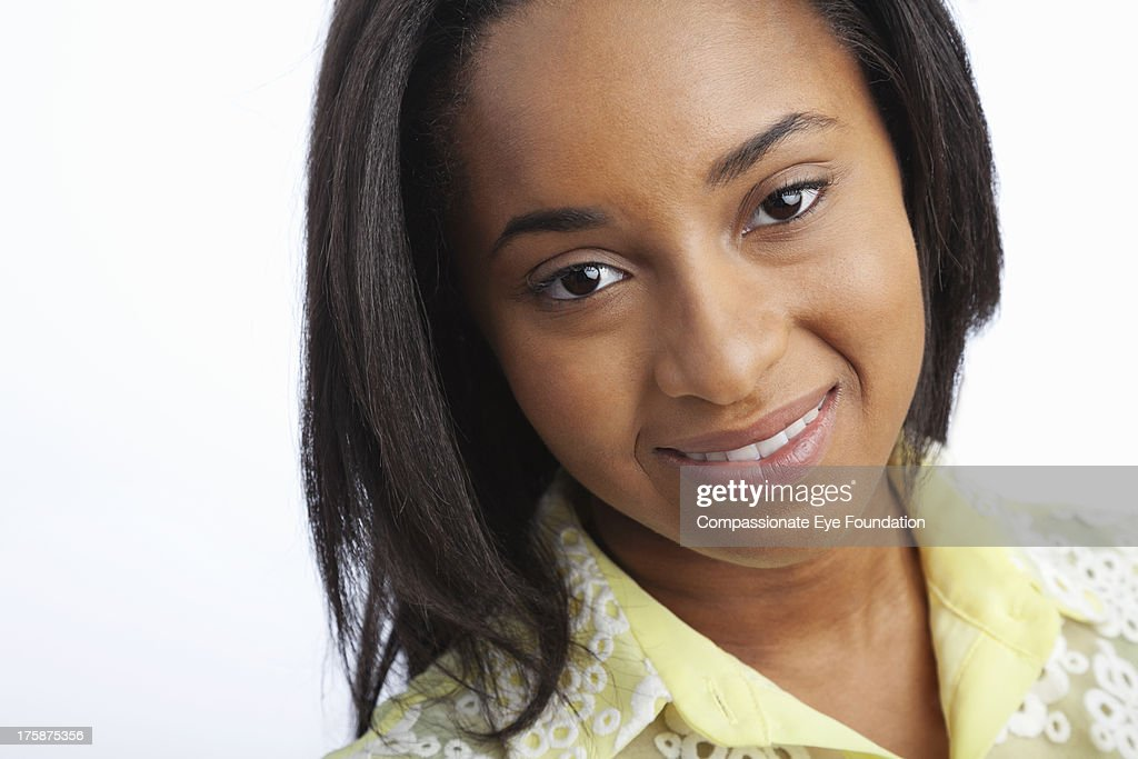 Close up portrait of smiling teenage girl (16-17) : Stock Photo