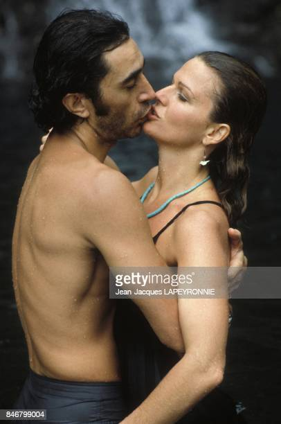 Close up Richard Berry et Jeane Manson au moment de leur mariage le 15 novembre 1984 a l'Ile Maurice