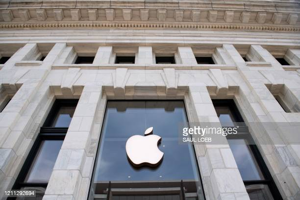 Closed Apple Store in Washington, DC, on April 29 ahead of their expected first quarter earnings report after market close on April 30.