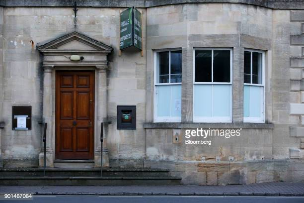 Closed bank branch of Lloyds Banking Group Plc stands for sale in Bourton-on-the-Water near Cheltenham, U.K., on Thursday, Jan. 4, 2018. U.K. Banks...