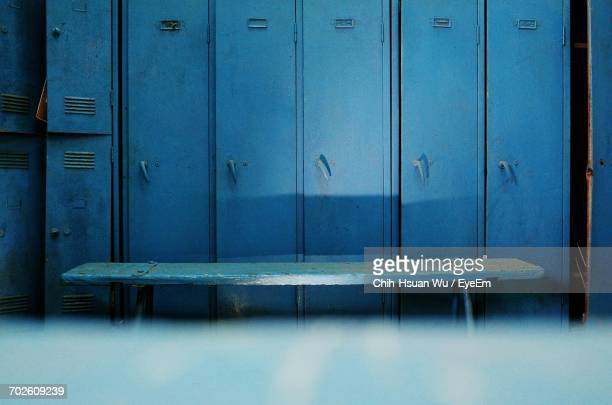 closed blue lockers - locker room stock pictures, royalty-free photos & images