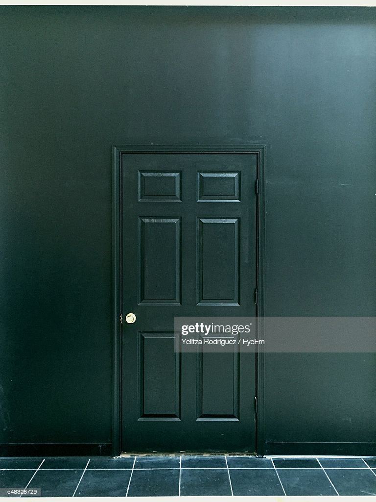 Closed Door Of House : Photo