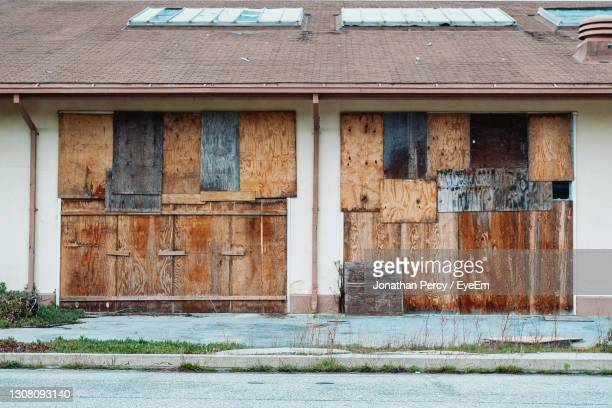 closed door of old building - 2007 stock pictures, royalty-free photos & images
