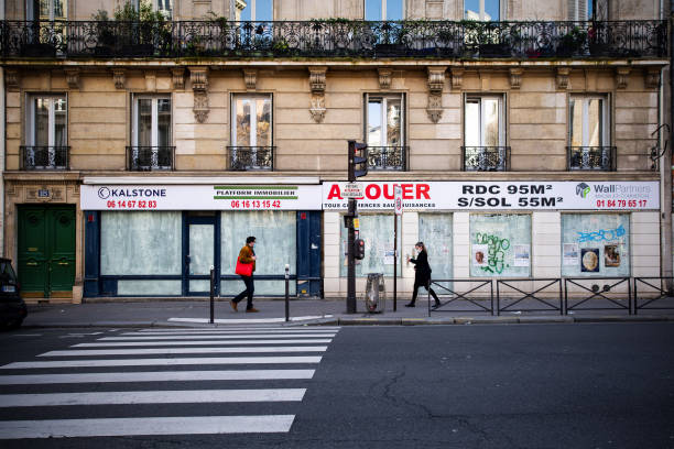FRA: Closed Retail Stores as France Awaits New Virus Measures