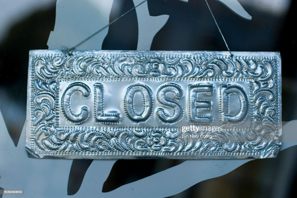 Closed metal sign : Stock Photo
