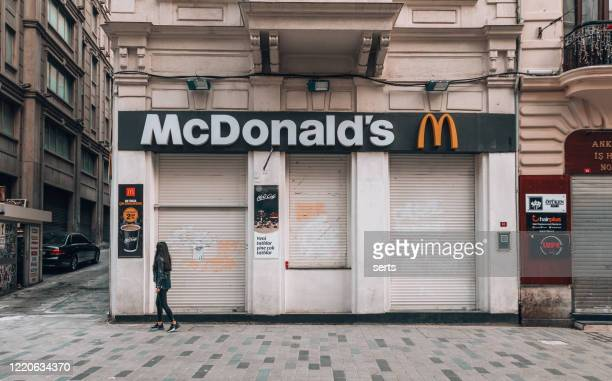 closed restaurants during coronavirus lockdown period in istanbul, turkey - state of emergency stock pictures, royalty-free photos & images