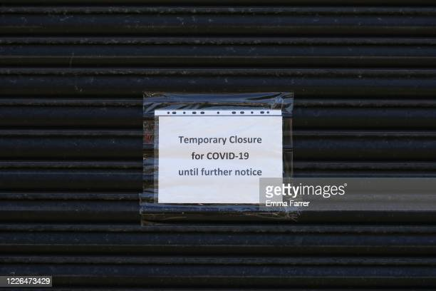 closed sign due to covid 19 - lockdown stock pictures, royalty-free photos & images