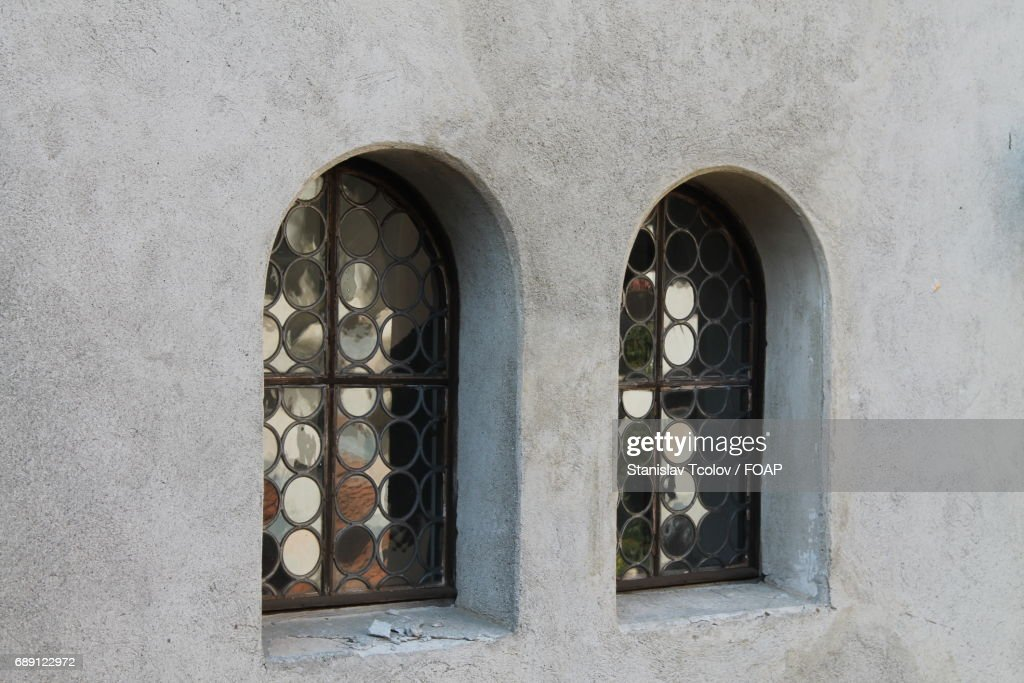 Closed window of house : Foto de stock