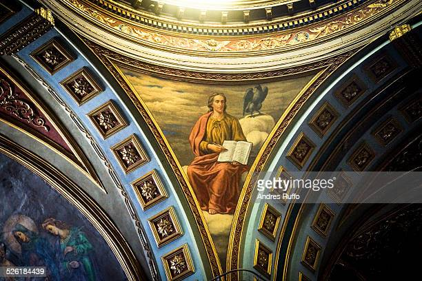 close-up apse of the basilica of santo domingo - andres ruffo stockfoto's en -beelden