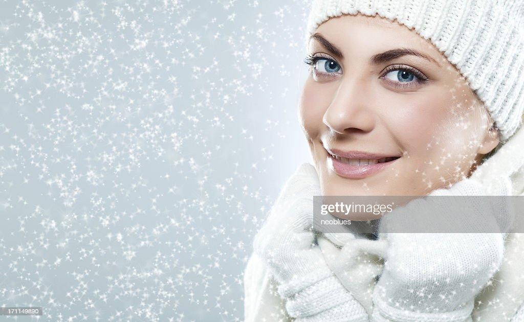 complet dans les spécifications produits chauds beauté Gros Plan De Beau Visage De Femme Avec Un Sweatshirt Et ...