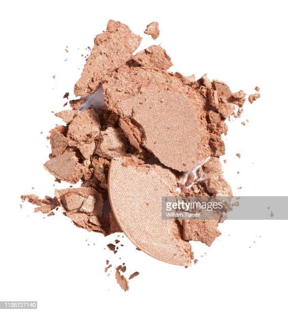 a close-up beauty image of a sample of tan or flesh coloured eye shadow - ヌードカラー ストックフォトと画像