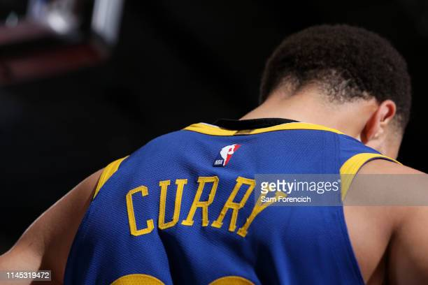 251 Stephen Curry Jersey Photos And Premium High Res Pictures Getty Images