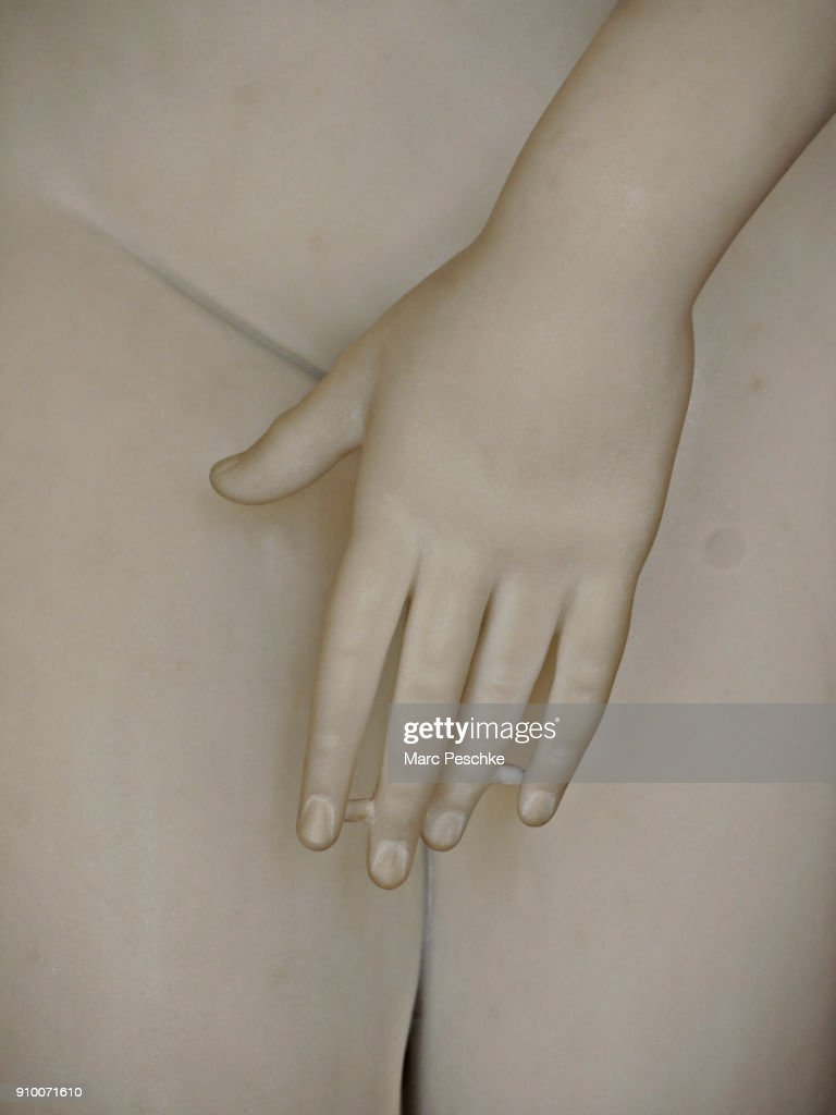 Close-up midsection of statue : Stock-Foto