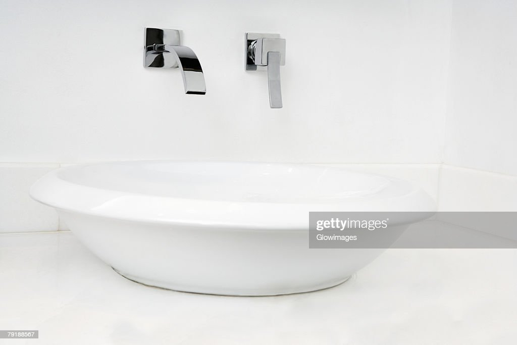 Close-up of a bathroom sink : Stock Photo