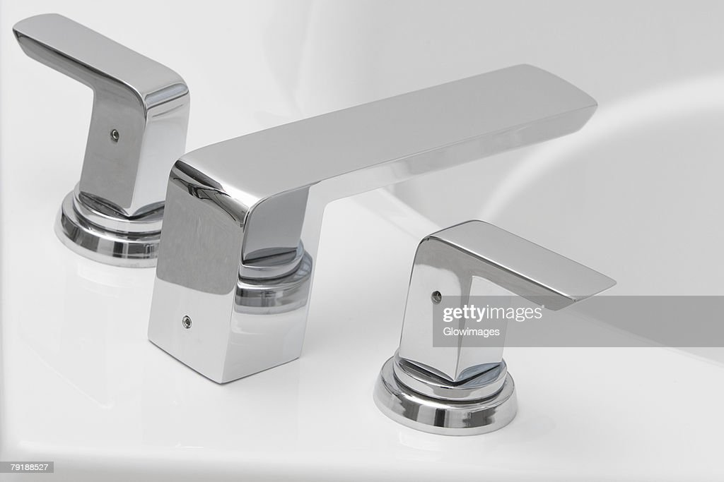 Close-up of a bathtub faucet : Stock Photo