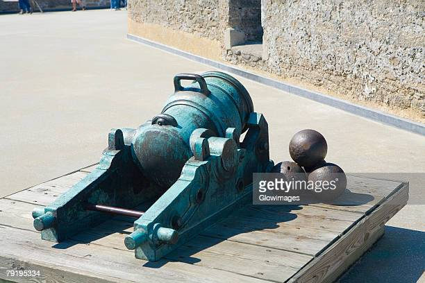 close-up of a cannon and cannon balls, castillo de san marcos national monument, st. augustine, florida, usa - castillo de san marcos stock photos and pictures