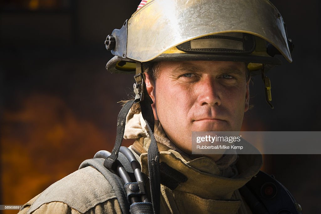 Close-up of a firefighter : Foto de stock