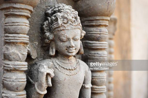 closeup of a hindu deity at the chand baori stepwell, abhaneri, rajasthan, india - abhaneri stock photos and pictures