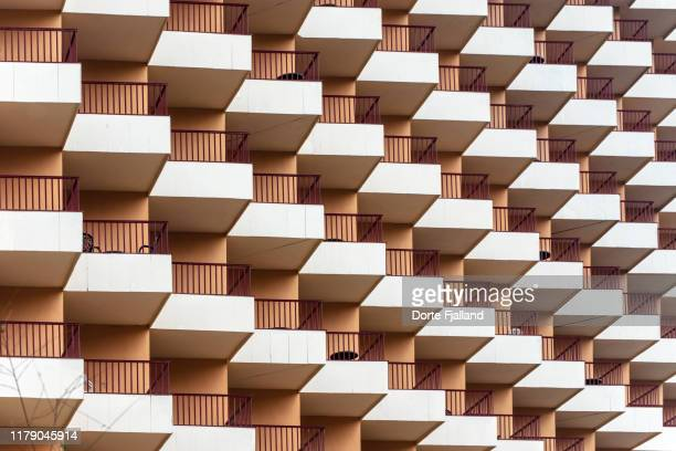 close-up of a large facade of a building with balconies - dorte fjalland fotografías e imágenes de stock