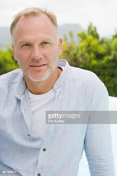 close-up of a man thinking - homme chauve photos et images de collection