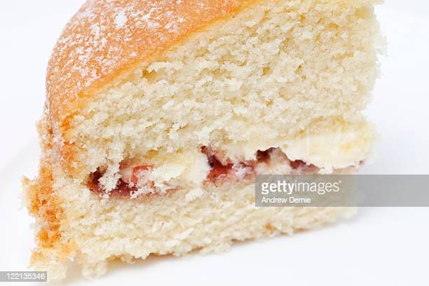 close-up of a slice of victoria sponge cake - andrew dernie stockfoto's en -beelden