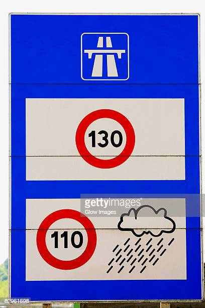 close-up of a speed limit sign, le mans, france - sarthe stock pictures, royalty-free photos & images