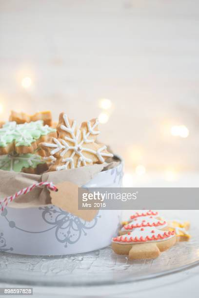close-up of a tin of christmas cookies - christmas cookies stock pictures, royalty-free photos & images