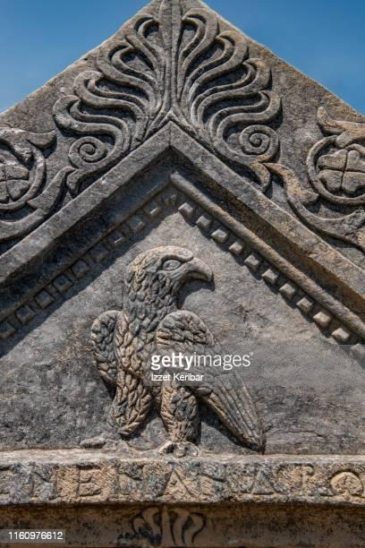 close-up of a tomb fragment, aezanoi, cavdarhisar, kutahya turkey - 古代の遺物 ストックフォトと画像