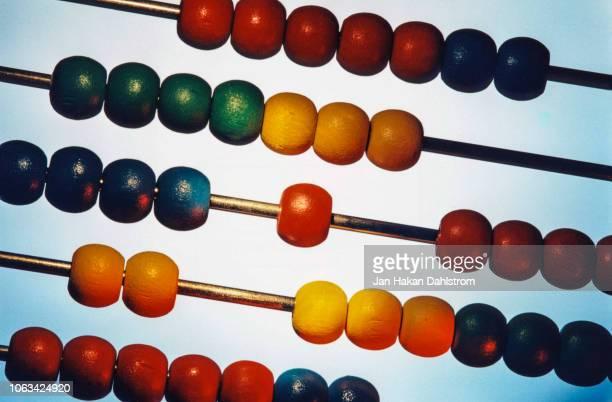 close-up of abacus - conta artigo de armarinho - fotografias e filmes do acervo