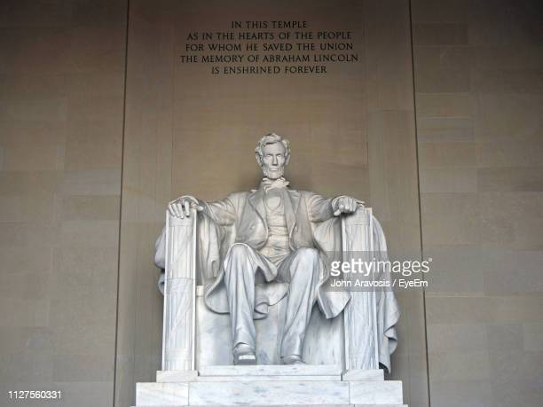close-up of abraham lincoln statue - lincoln memorial stock pictures, royalty-free photos & images