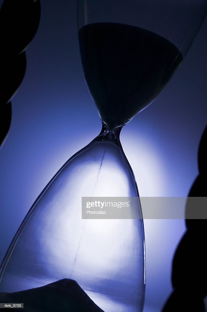 Close-up of an hour glass : Foto de stock