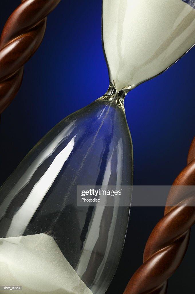 Close-up of an hour glass : Foto de stock