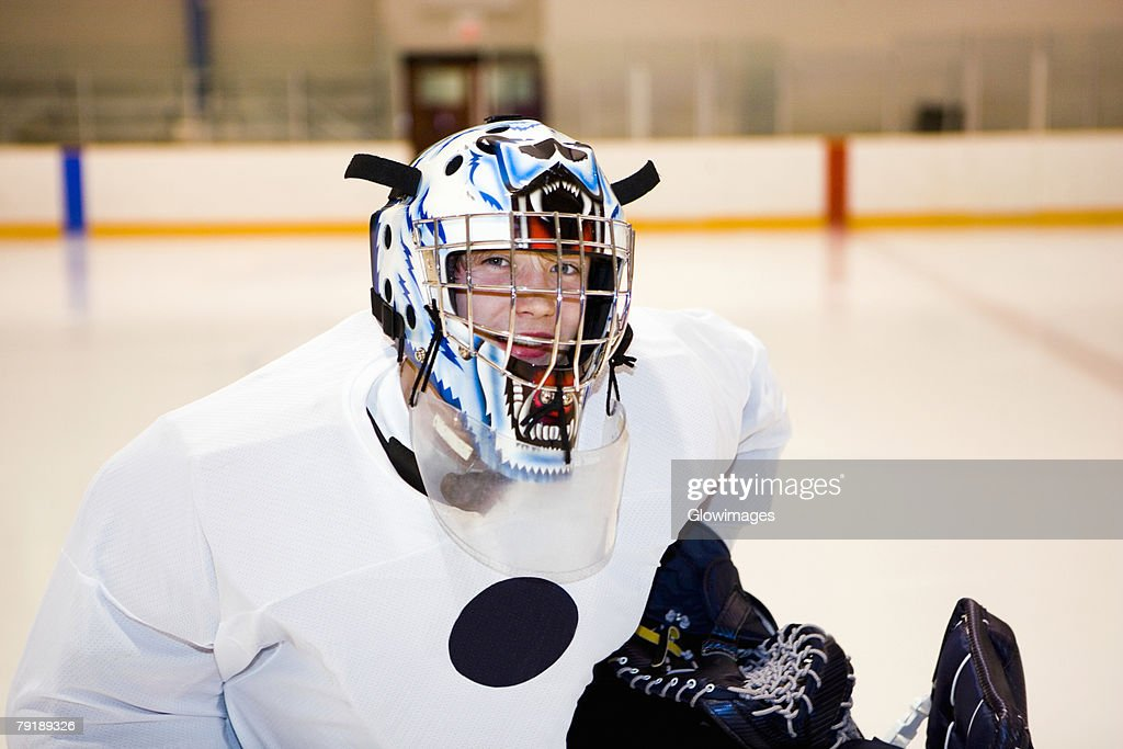 Close-up of an ice hockey player : Foto de stock