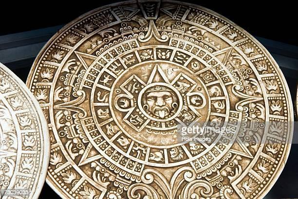 close-up of aztec calendars, mexico - calendario azteca fotografías e imágenes de stock