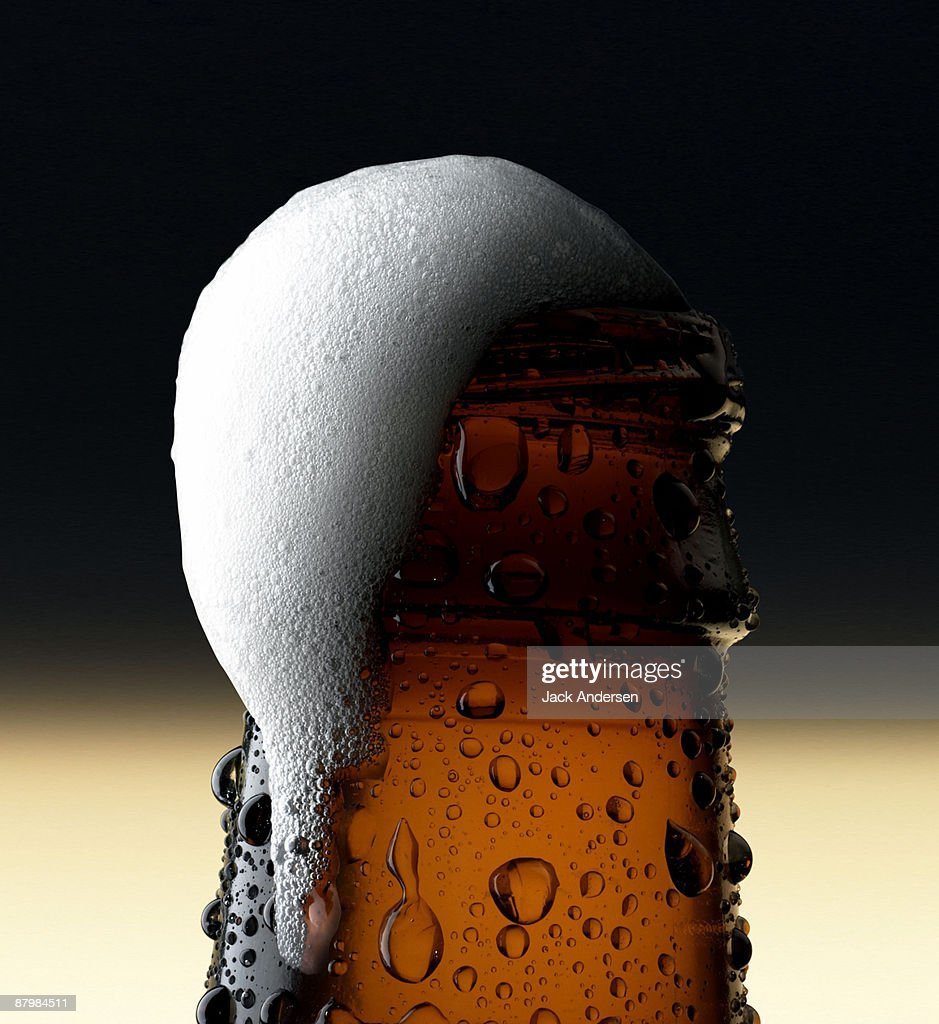 Close-up of beer foam : Stock Photo