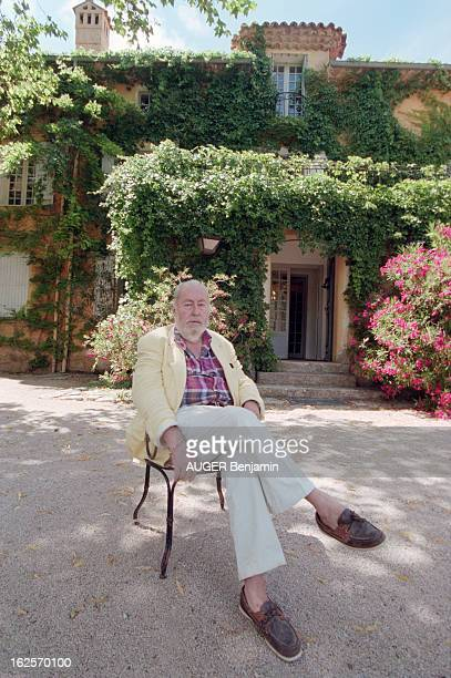 CloseUp Of Bernard Buffet In His Estate Of La Baume In Tourtour Tourtour 12 juillet 1998 Portrait du peintre Bernard BUFFET dans son domaine de la...