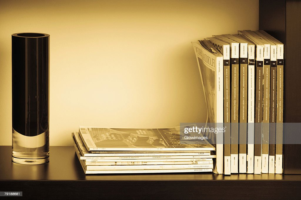Close-up of books in shelves : Foto de stock