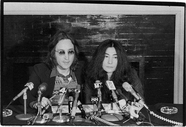 Lennon & Ono Give Press Conference Wall Art