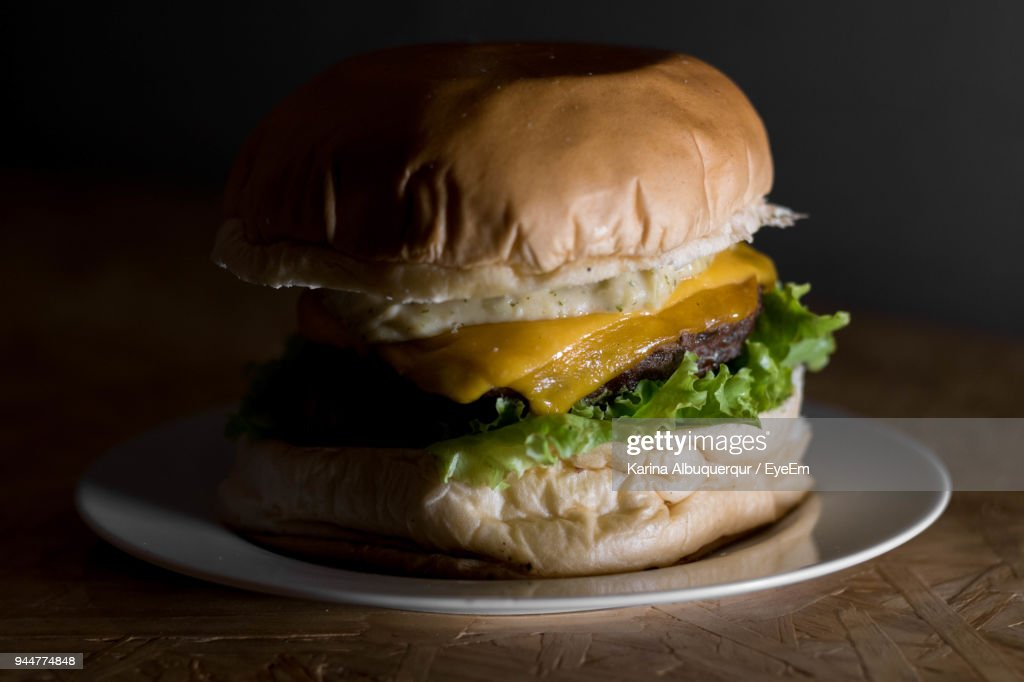 Close-Up Of Burger In Plate On Table : Stock Photo