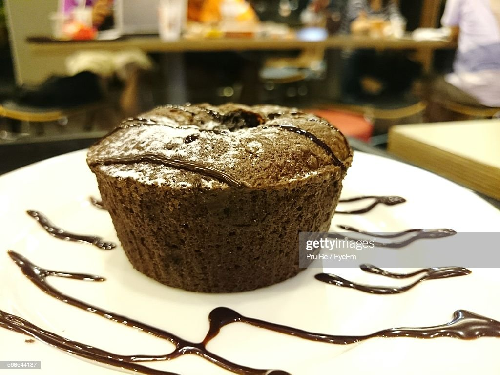 Close-Up Of Chocolate Brownie On Plate : Stock Photo